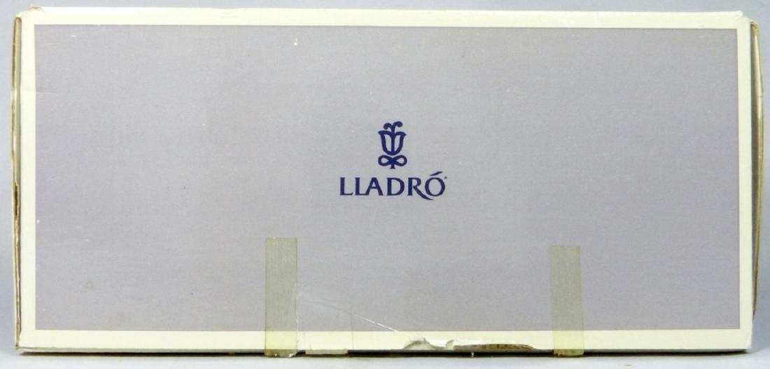 LLADRO 'INNOCENCE IN BLOOM' 7644 FIGURINE w BOX - 6