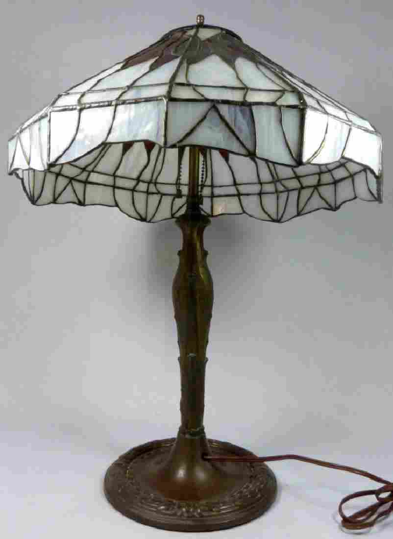 LEADED ART GLASS & PATINATED METAL TABLE LAMP