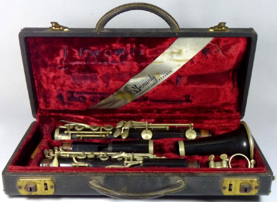 VINTAGE NORMANDY CLARINET w ORIGINAL CASE - 8