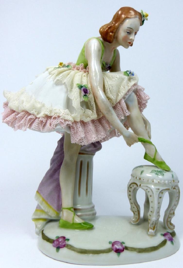 SITZENDORF PORCELAIN LADY w LACE DRESS