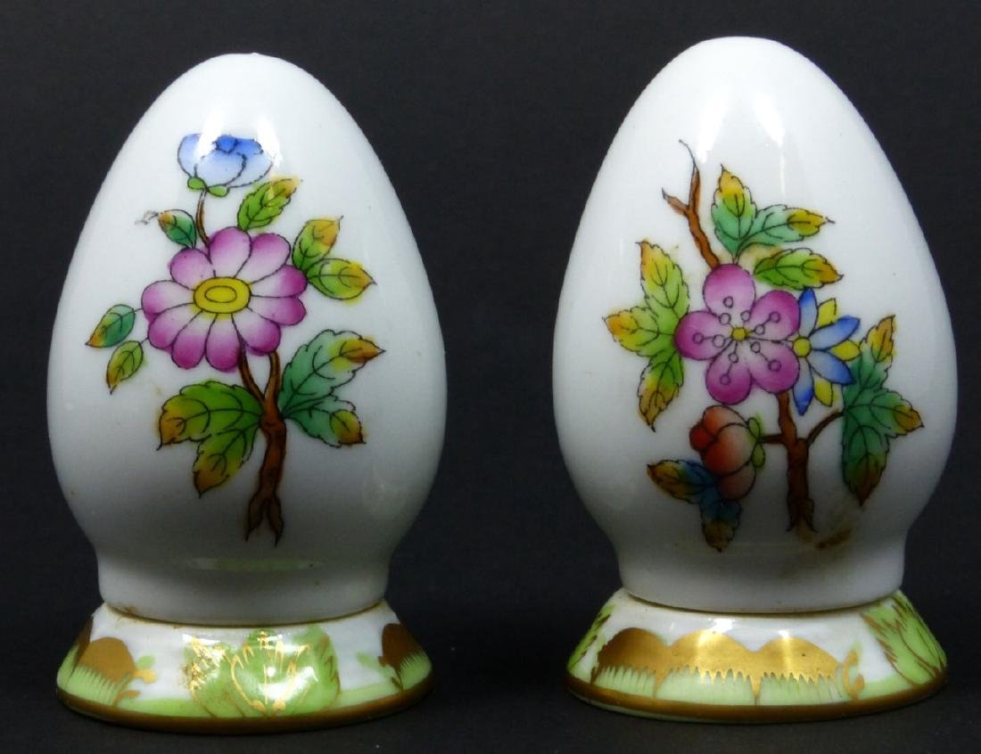 2pc HEREND 'QUEEN VICTORIA' SALT & PEPPER SHAKERS