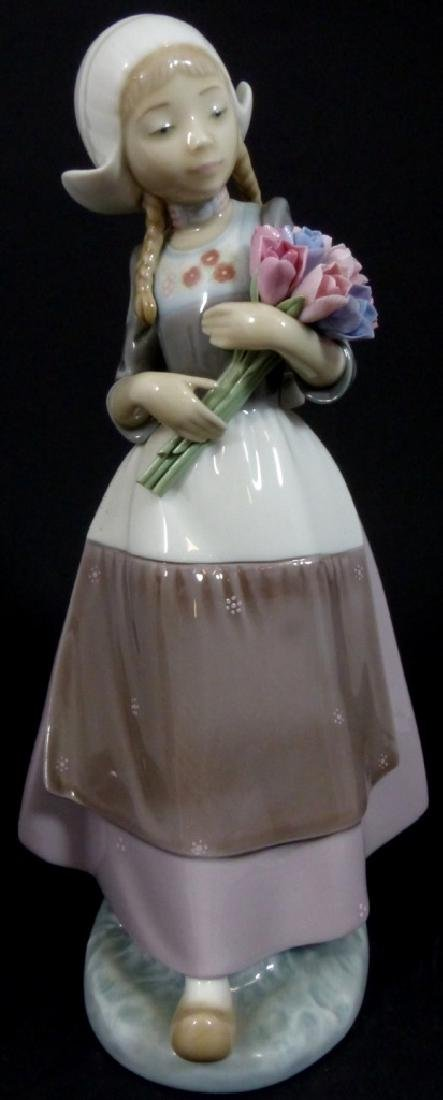 LLADRO DUTCH GIRL WITH TULIPS PORCELAIN FIGURINE