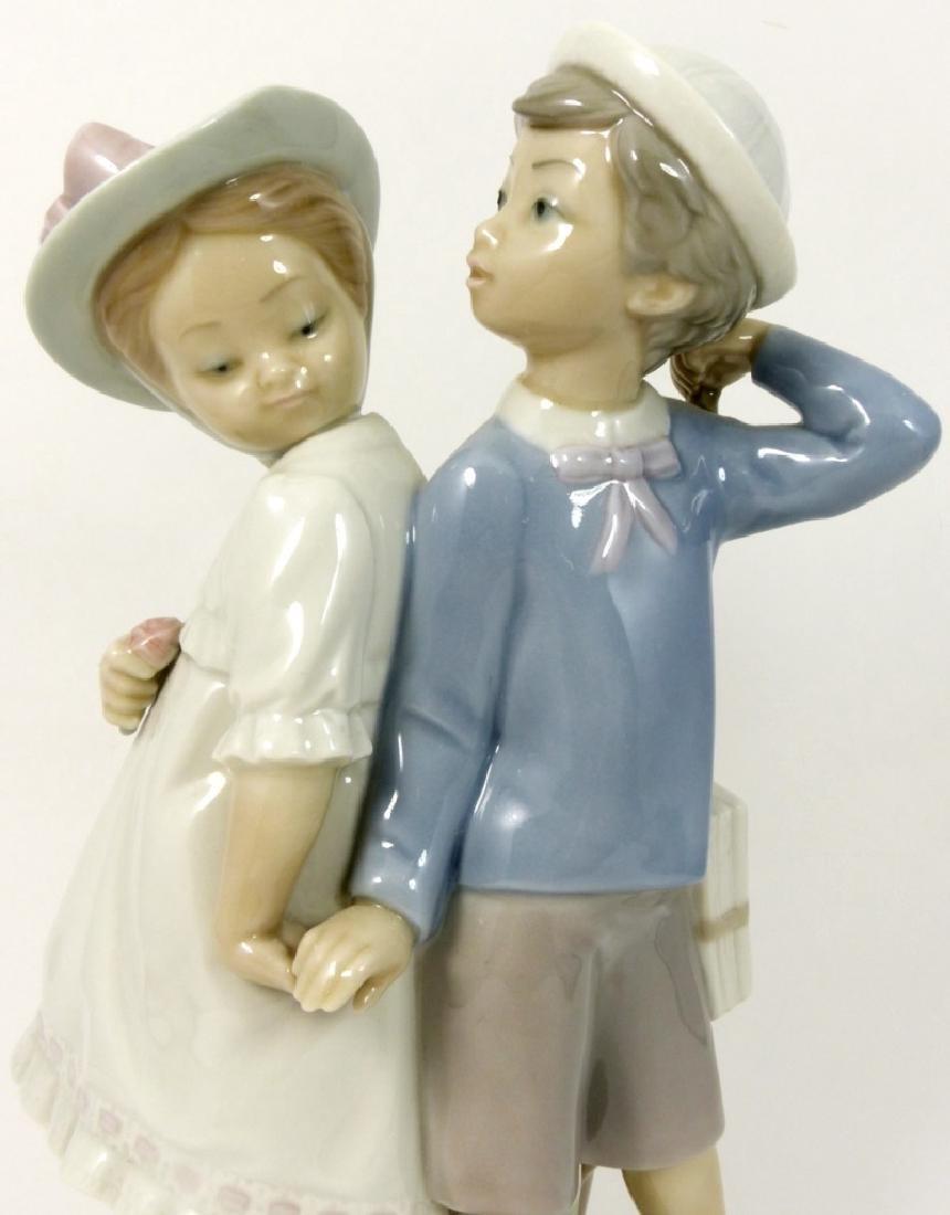 LLADRO 'PUPPY LOVE' PORCELAIN FIGURINE - 2