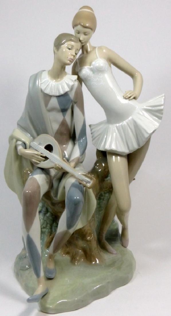 LLADRO 'ROMANCE' PORCELAIN FIGURINE