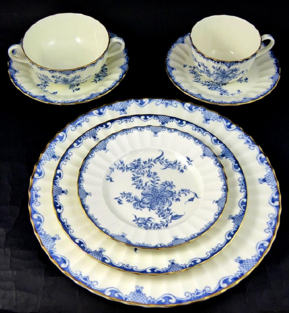 101pc ROYAL WORCESTER MANSFIELD BLUE CHINA SET