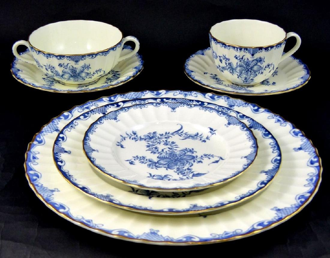 101pc ROYAL WORCESTER MANSFIELD BLUE CHINA SET - 2