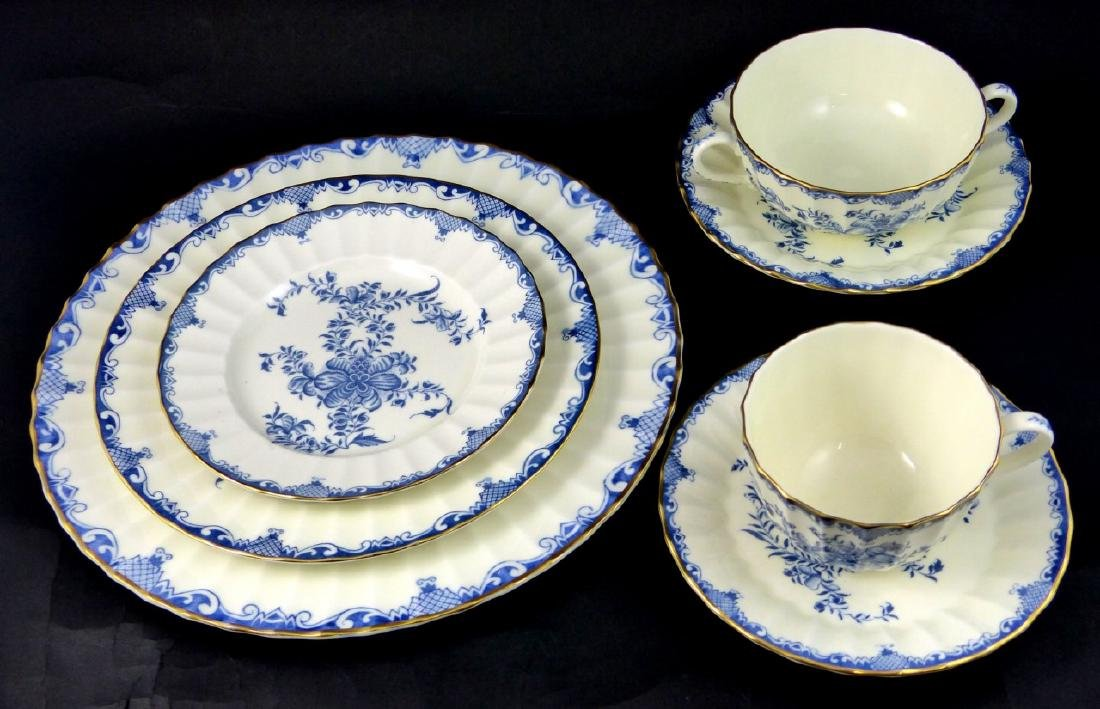 101pc ROYAL WORCESTER MANSFIELD BLUE CHINA SET - 8