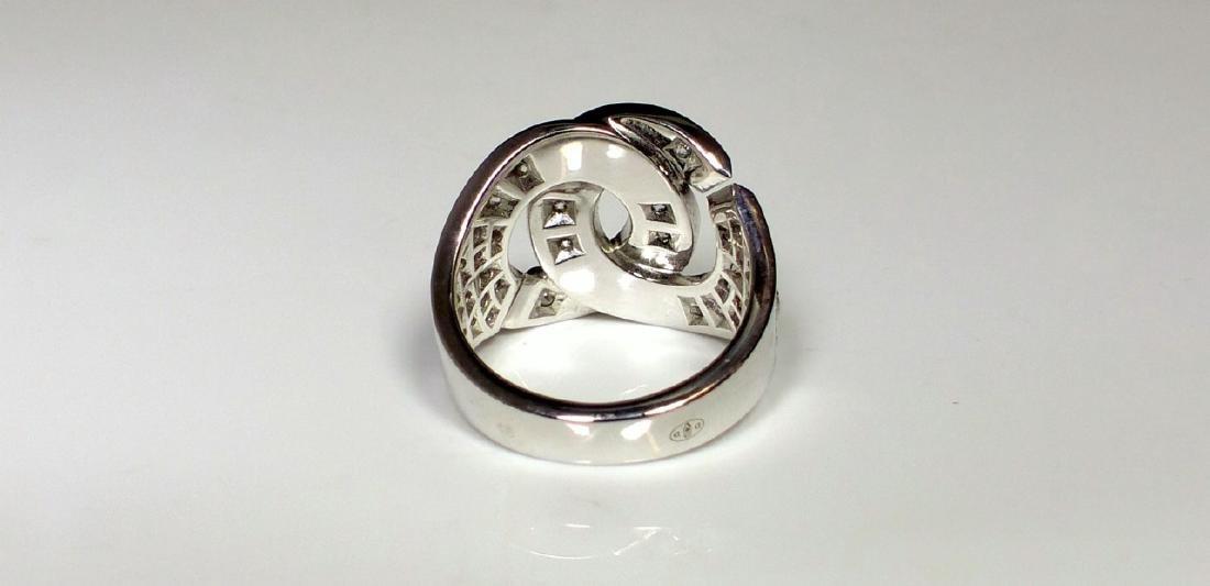 DINH VAN 18kt WG & DIAMOND MENOTTES RING - 3