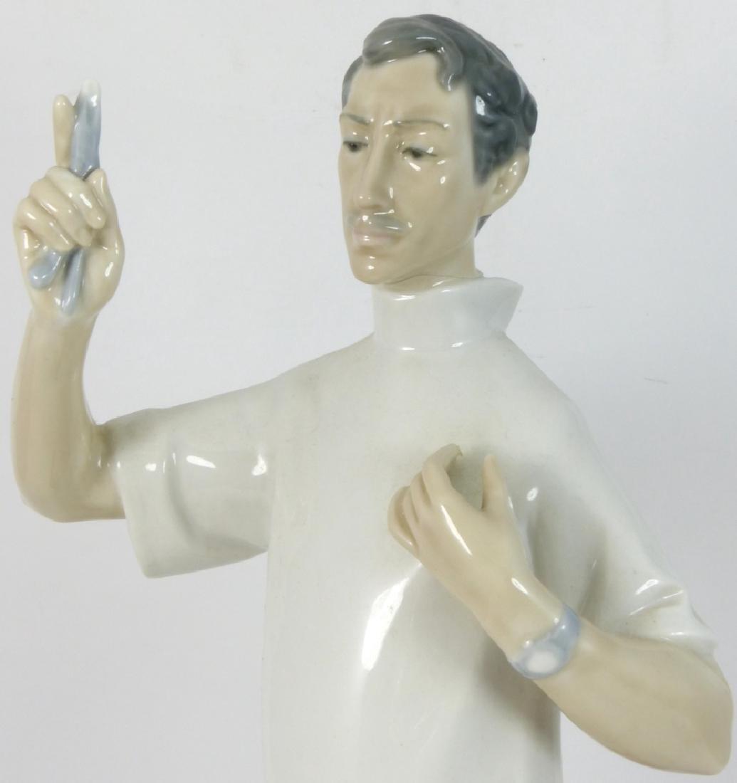 LLADRO 'DOCTOR' PORCELAIN FIGURINE - 7