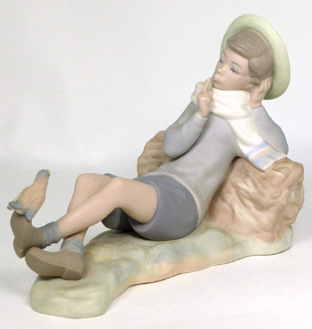 LLADRO 'BIRD WATCHER' MATTE PORCELAIN FIGURINE