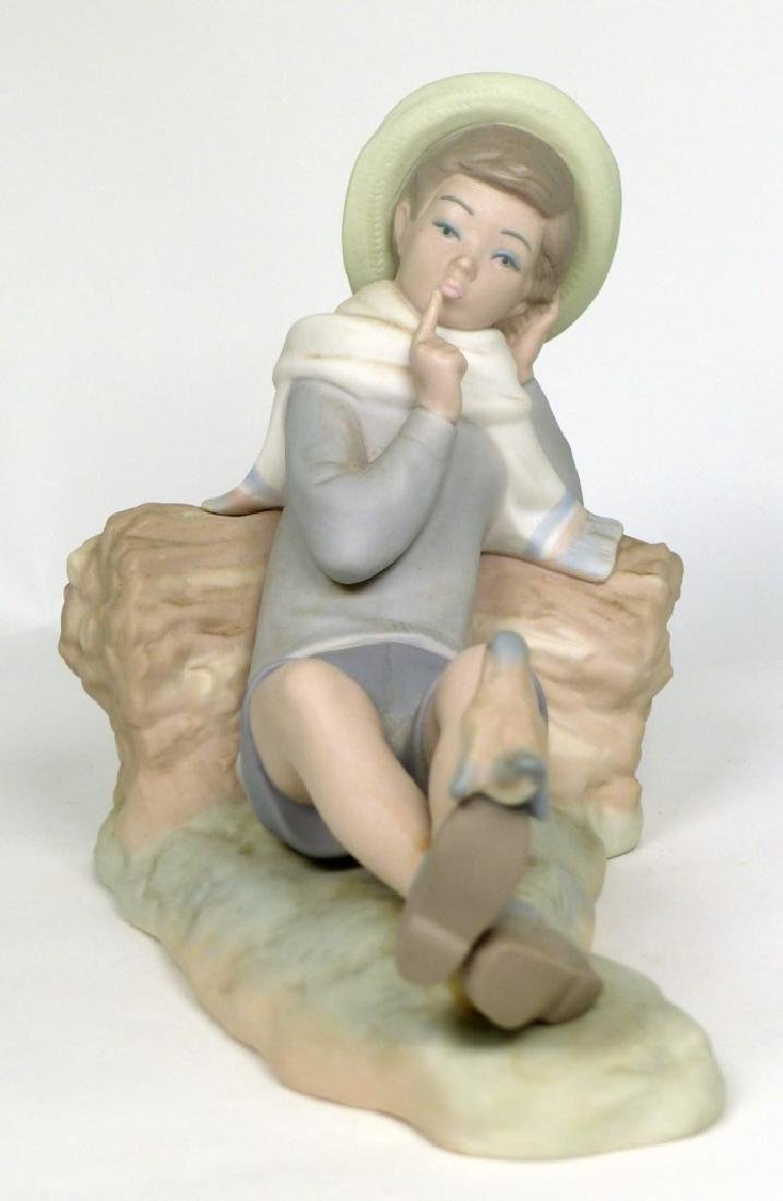 LLADRO 'BIRD WATCHER' MATTE PORCELAIN FIGURINE - 2