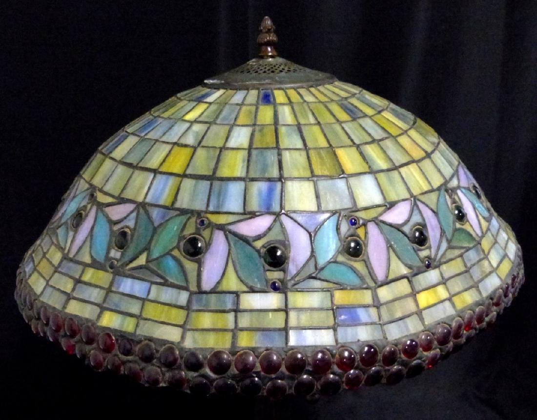 AMERICAN JEWELED STAINED LEADED GLASS TABLE LAMP - 4