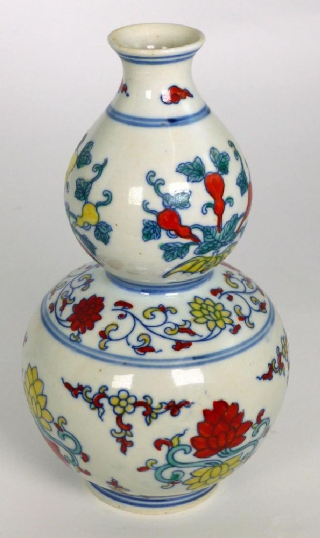 CHINESE WUCAI PORCELAIN DOUBLE GOURD VASE - 4