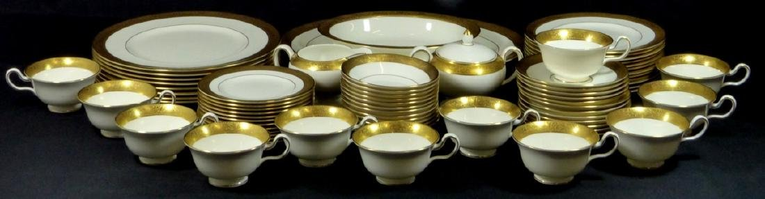 72pc WEDGWOOD 'ASCOT' GILT PORCELAIN CHINA SERVICE