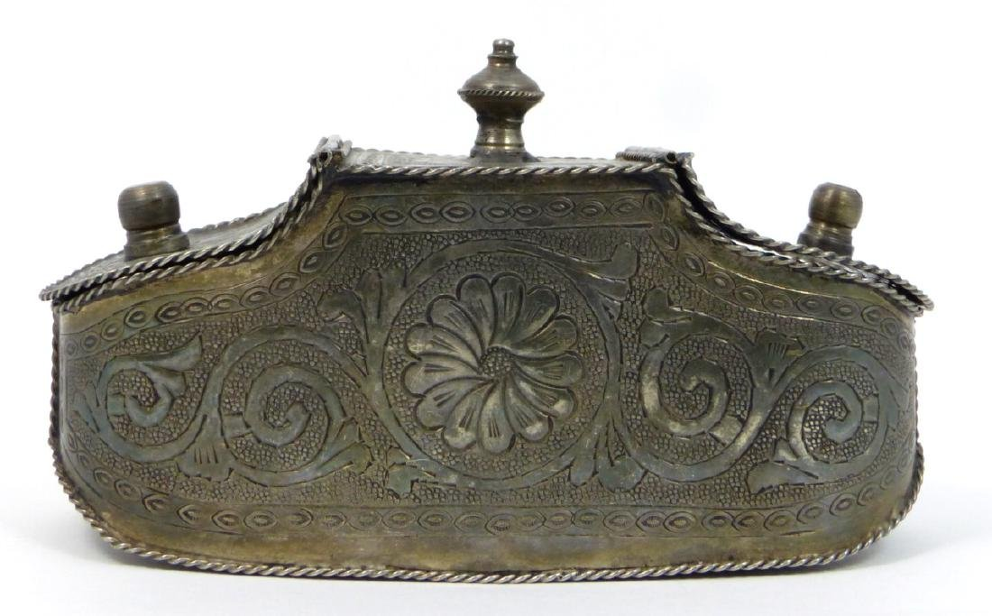 THAI SILVER HAND CHASED DOUBLE SNUFF BOX