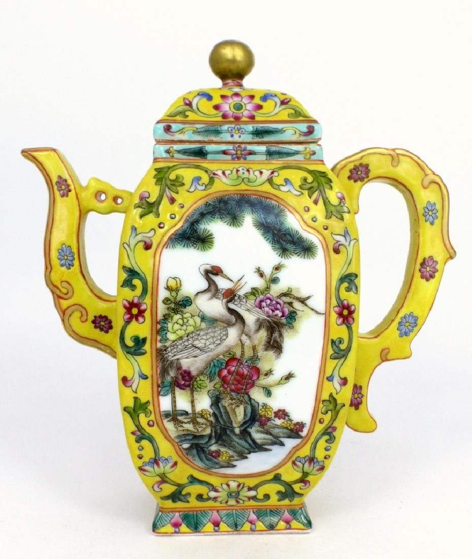 CHINESE YELLOW GROUND FAMILLE ROSE TEAPOT