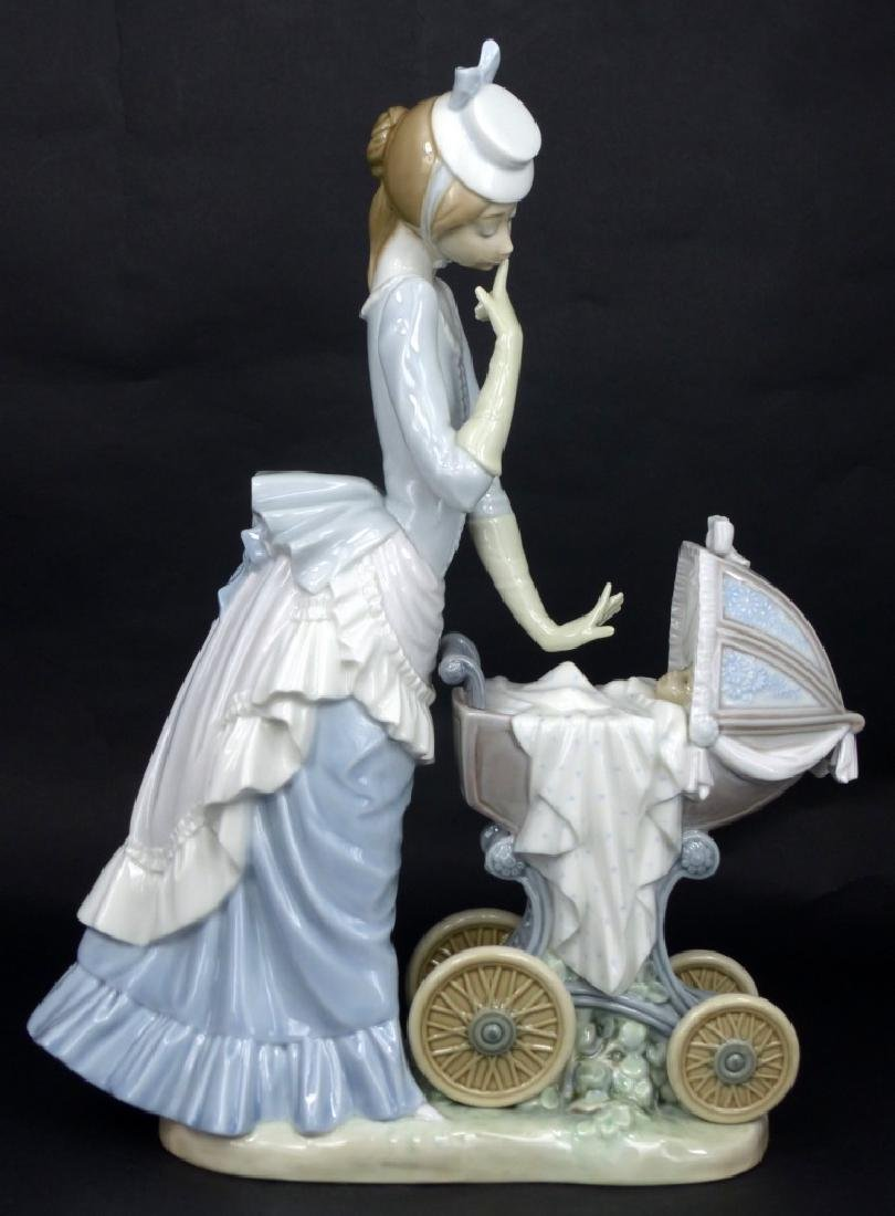 LLADRO 'BABY'S OUTING' PORCELAIN FIGURINE