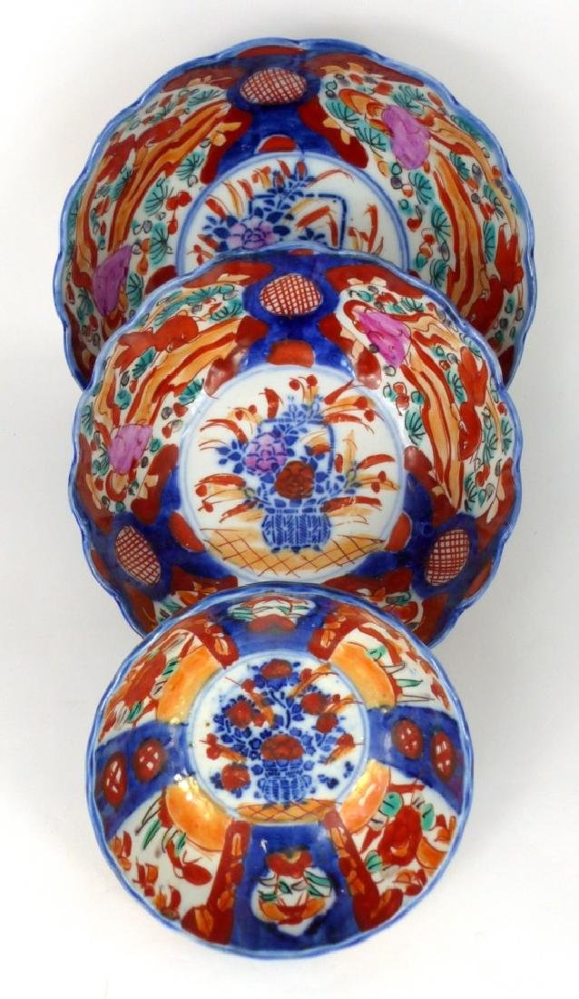 3pc JAPANESE IMARI PORCELAIN GRADUATED BOWLS
