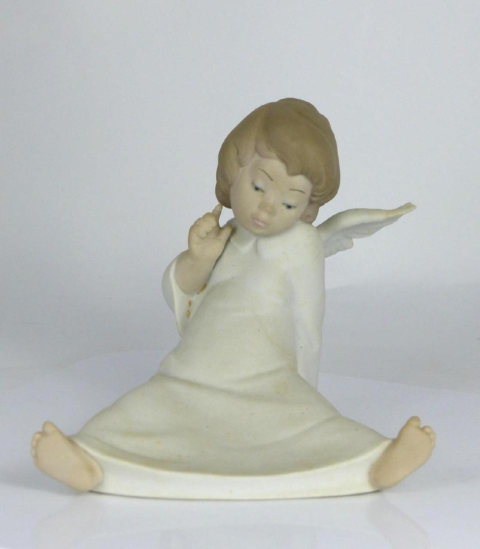 LLADRO 'ANGEL WONDERING' PORCELAIN FIGURINE w BOX