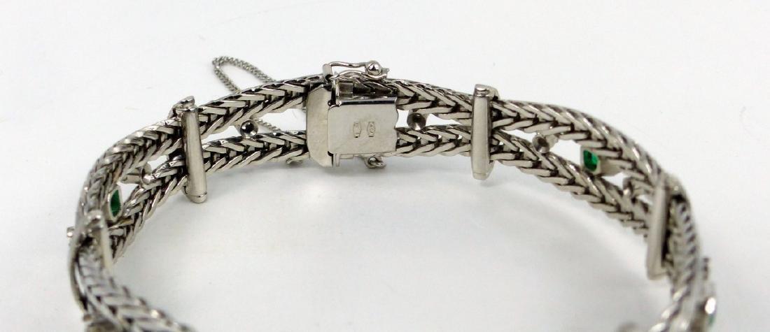 UNOAERRE 18k WHITE GOLD DIAMOND & EMERALD BRACELET - 9