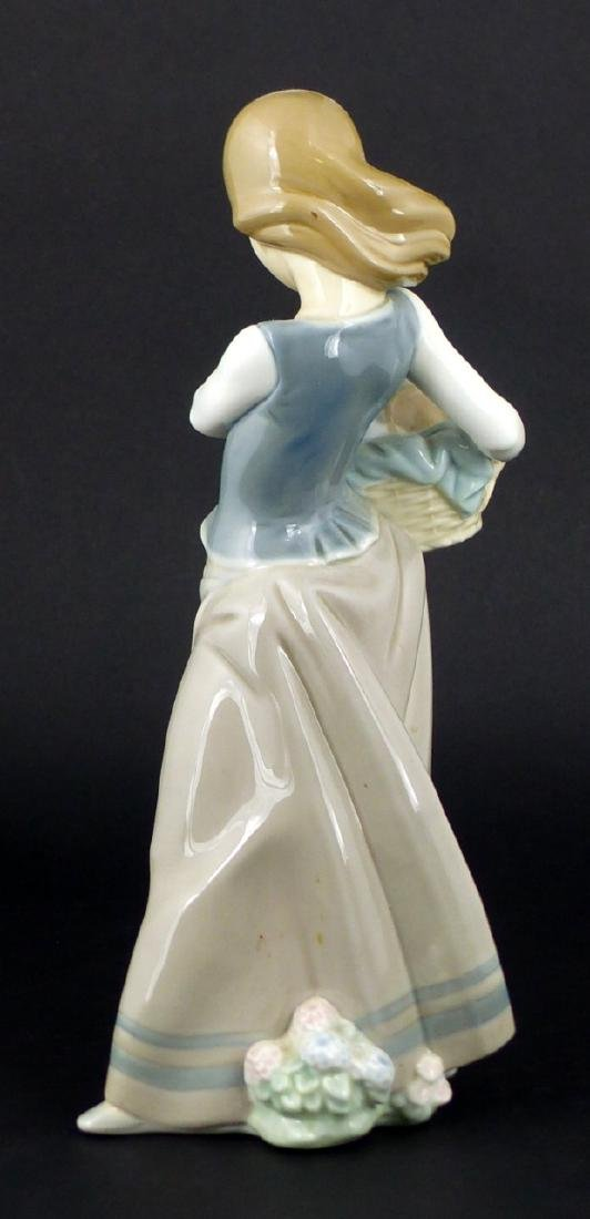 LLADRO 'GIRL WITH PUPPIES' PORCELAIN FIGURINE - 4