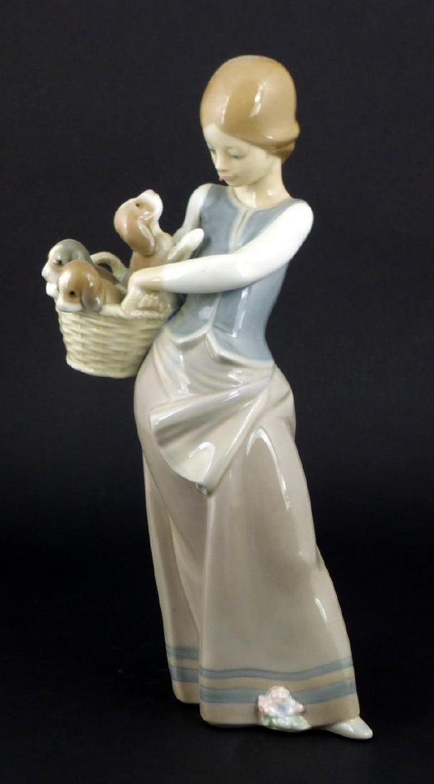 LLADRO 'GIRL WITH PUPPIES' PORCELAIN FIGURINE - 5