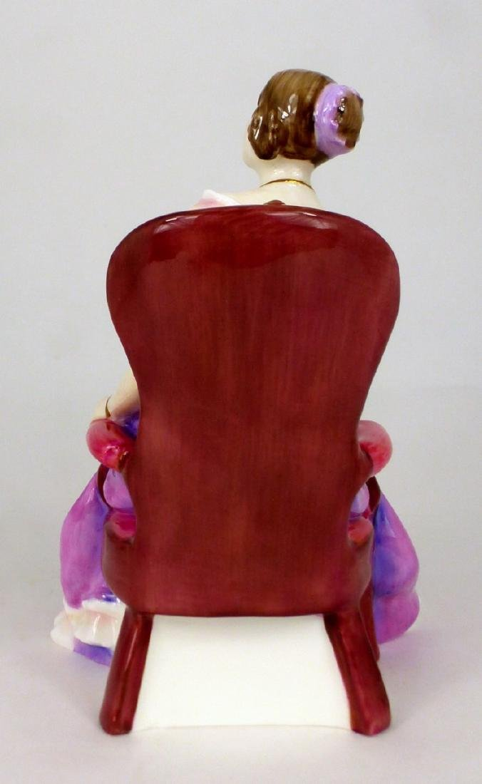 ROYAL DOULTON 'THE YOUNG QUEEN VICTORIA' FIGURINE - 3