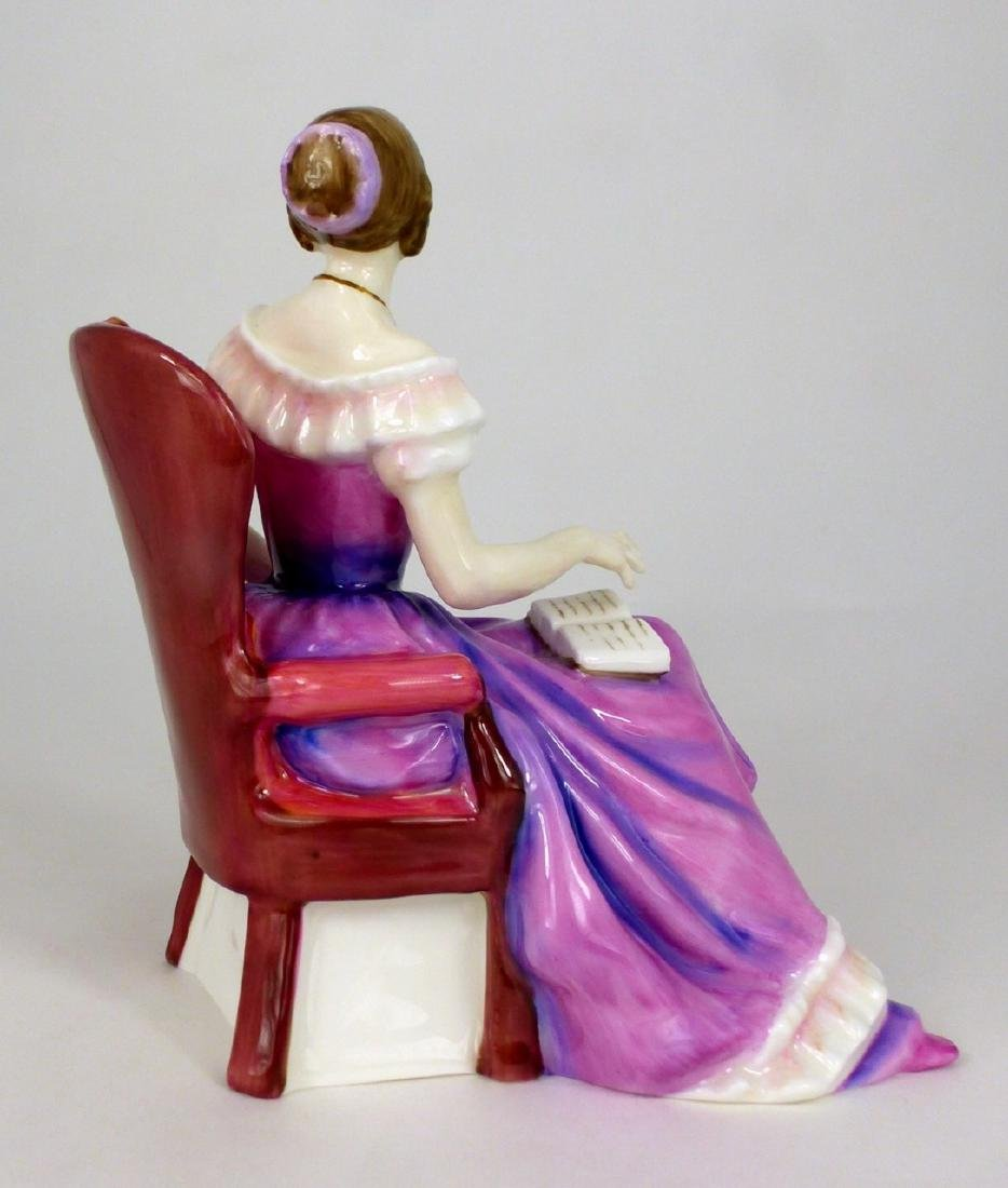 ROYAL DOULTON 'THE YOUNG QUEEN VICTORIA' FIGURINE - 4