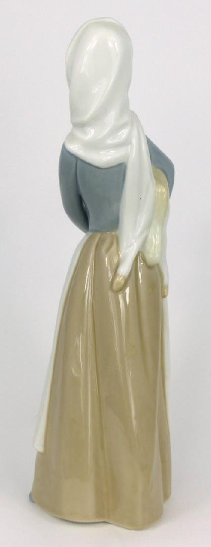 LLADRO GIRL WITH SHEEP PORCELAIN FIGURINE - 3