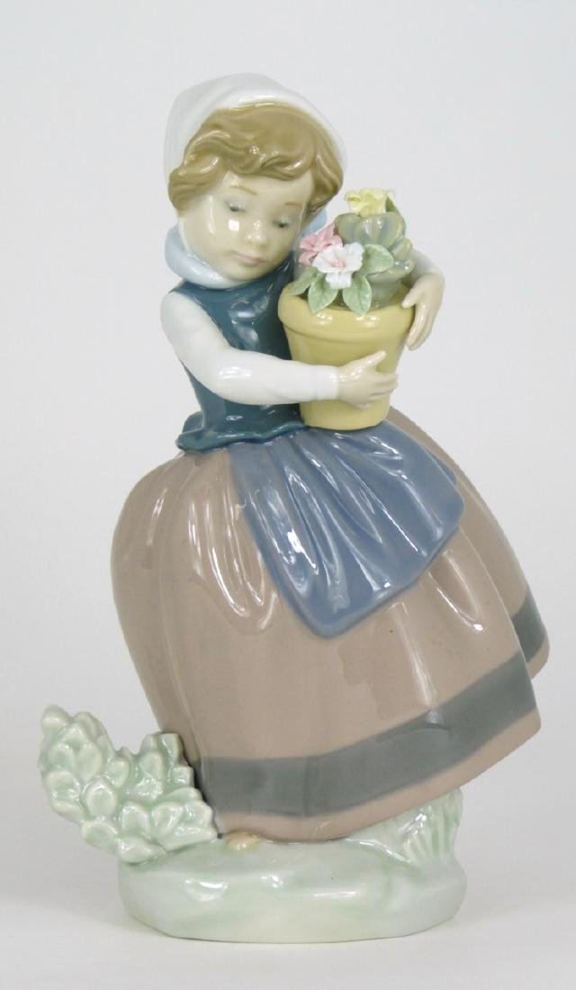 LLADRO 'SPRING IS HERE' PORCELAIN FIGURINE