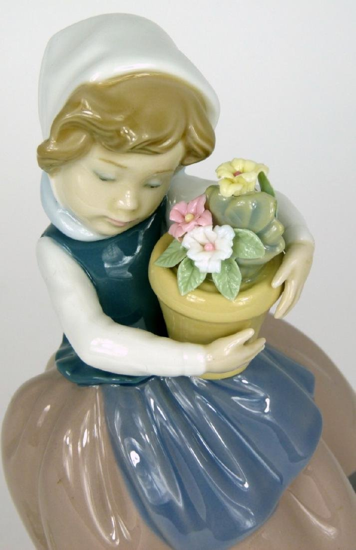 LLADRO 'SPRING IS HERE' PORCELAIN FIGURINE - 5