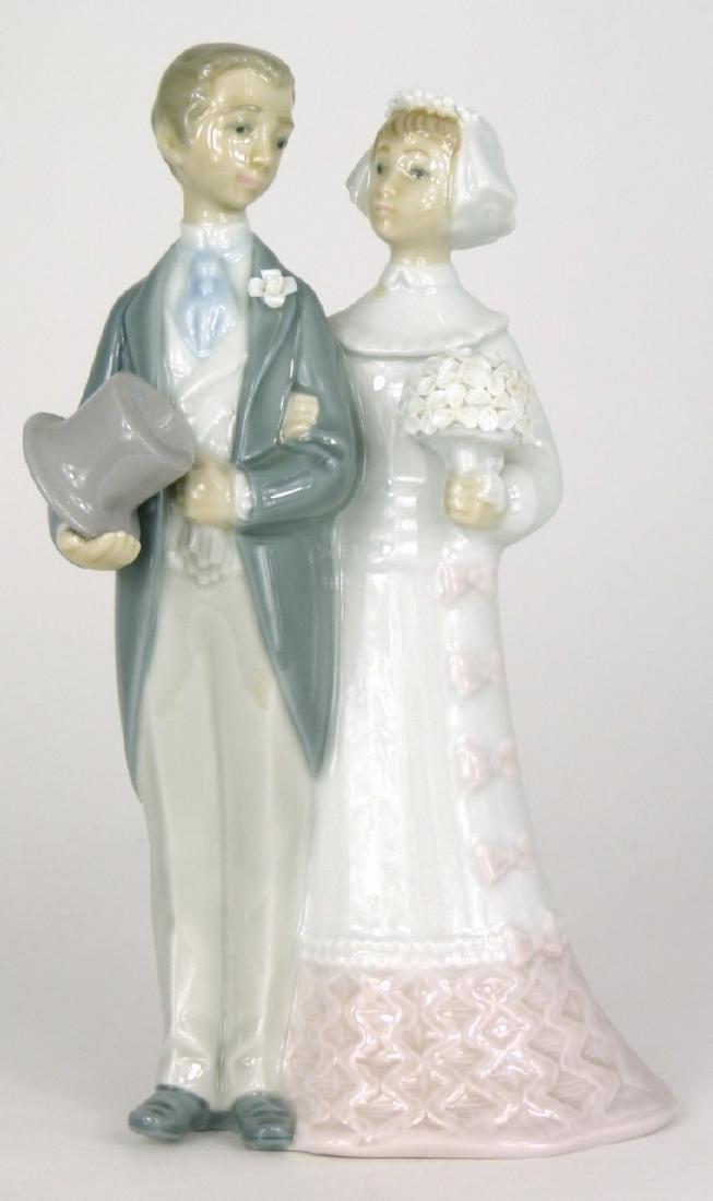 LLADRO 'WEDDING' PORCELAIN FIGURINE