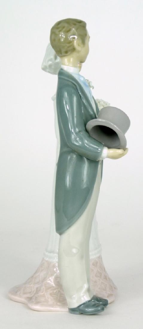 LLADRO 'WEDDING' PORCELAIN FIGURINE - 2