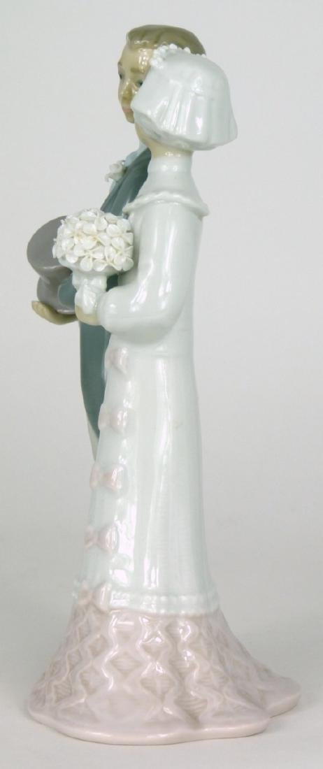 LLADRO 'WEDDING' PORCELAIN FIGURINE - 4