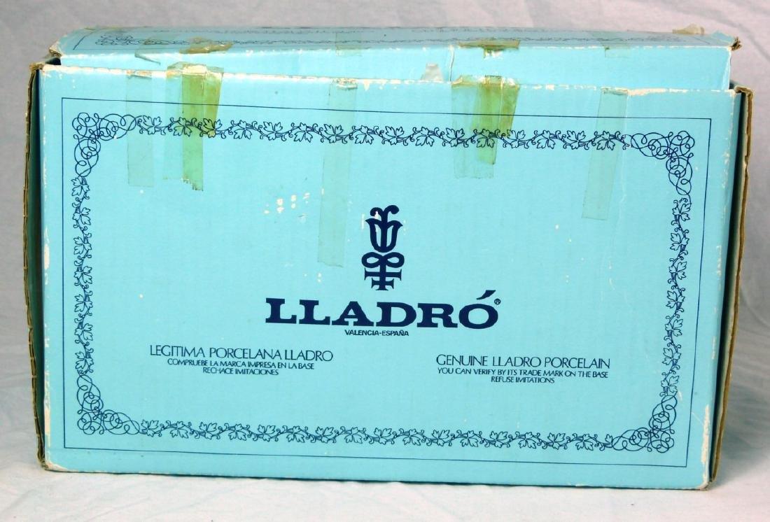 LLADRO 'HEBREW STUDENT' PORCELAIN FIGURINE w BOX - 6