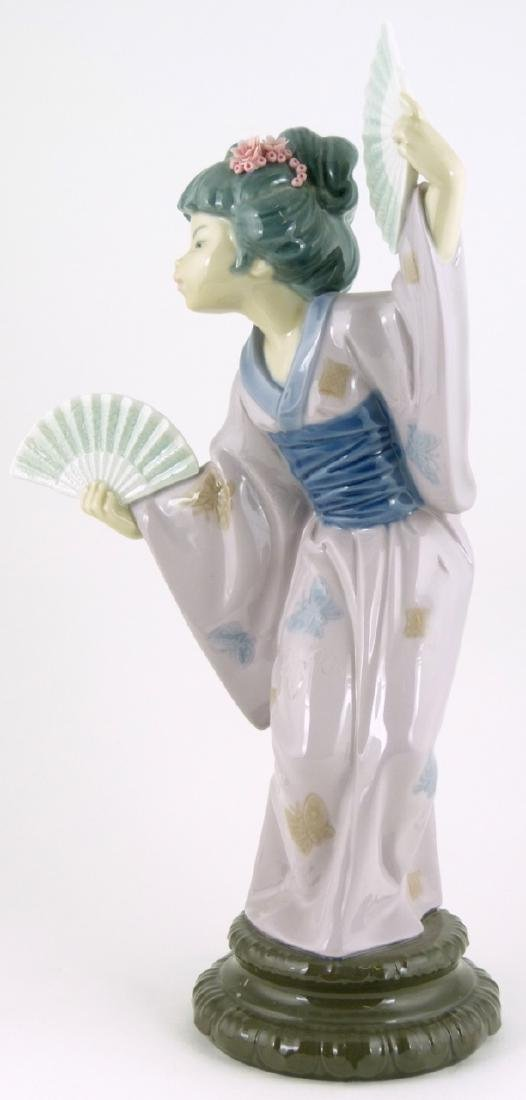 LLADRO 'MADAME BUTTERFLY' PORCELAIN FIGURINE - 5