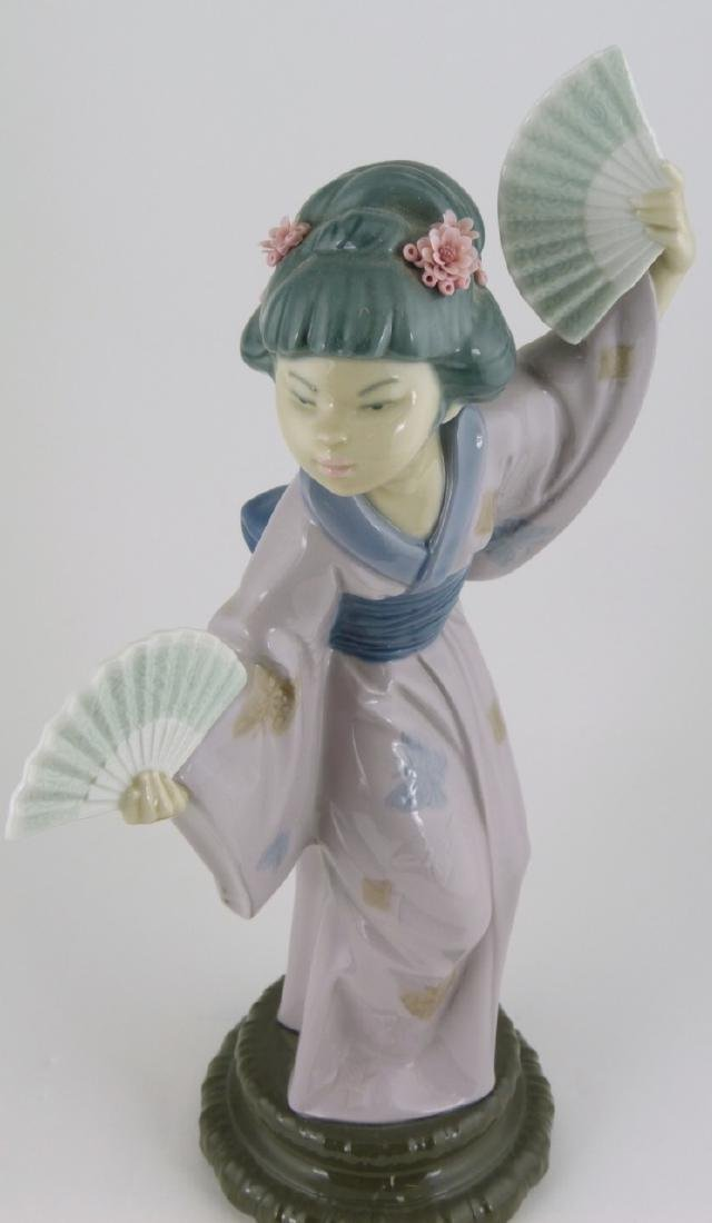 LLADRO 'MADAME BUTTERFLY' PORCELAIN FIGURINE - 6