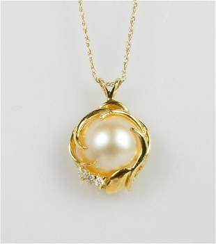 14kt YELLOW GOLD DIAMOND & PEARL PENDANT w CHAIN