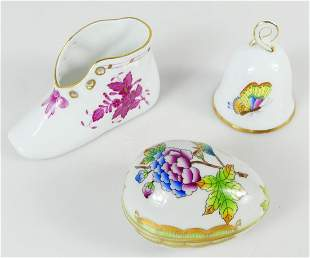 3pc HEREND PORCELAIN ITEMS: EGG BOX, BELL & SHOE