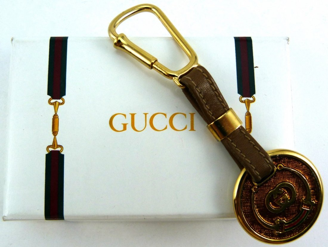 GUCCI LEATHER AND METAL KEYCHAIN w BOX