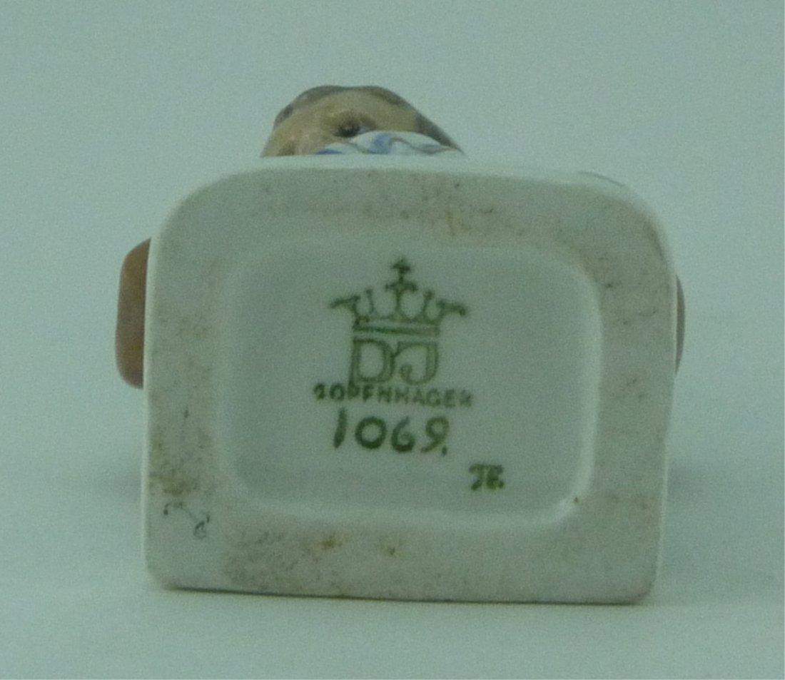 DAHL JENSEN COPENHAGEN PORCELAIN BOXER #1069 - 5