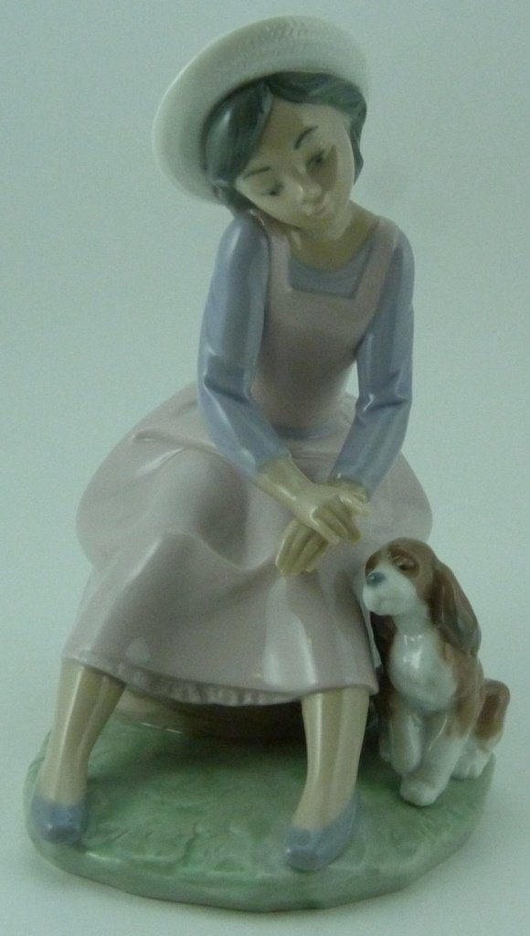 "LLADRO ""BY MY SIDE"" PORCELAIN FIGURINE #7645"