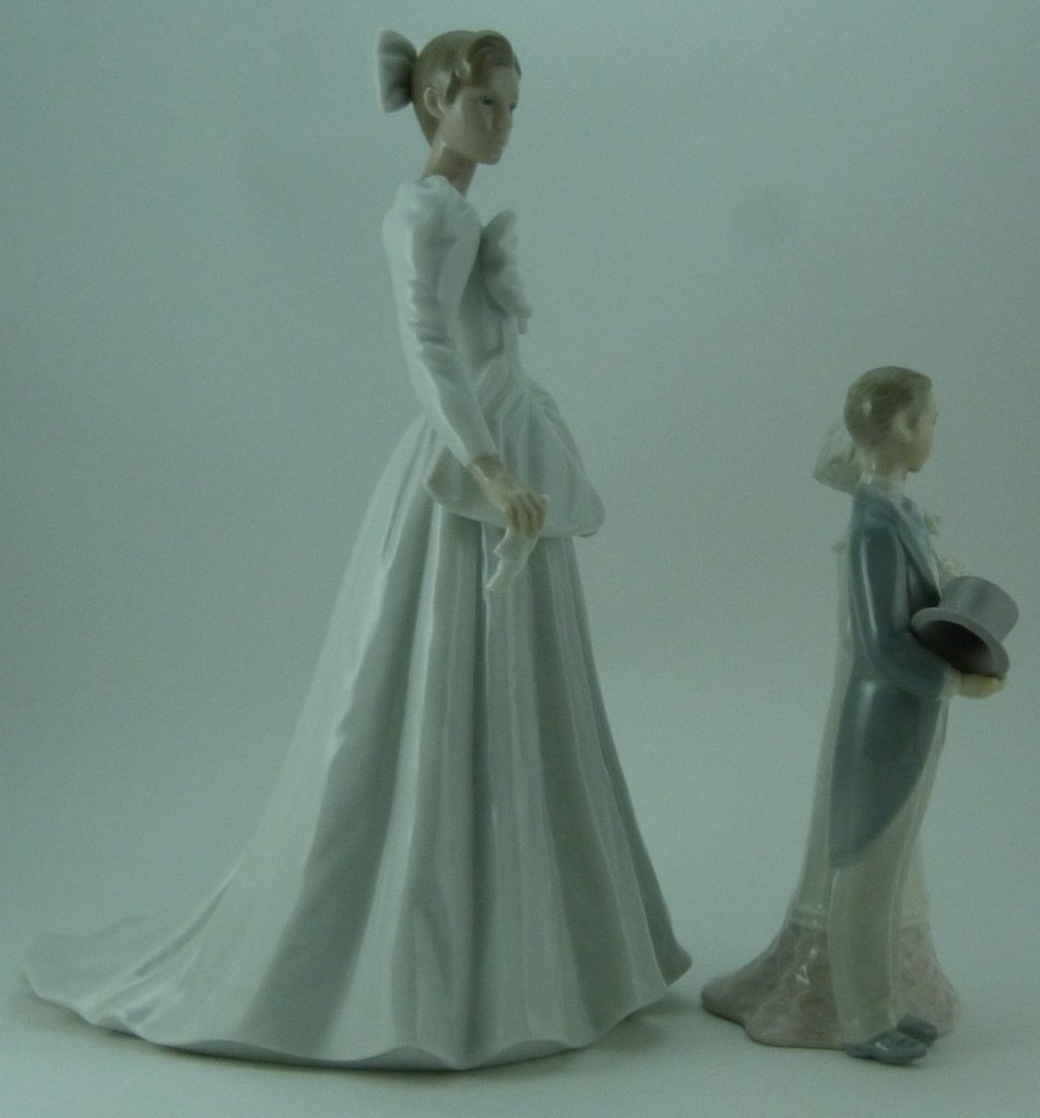 2pc LLADRO & NAO WEDDING PORCELAIN FIGURINES - 4