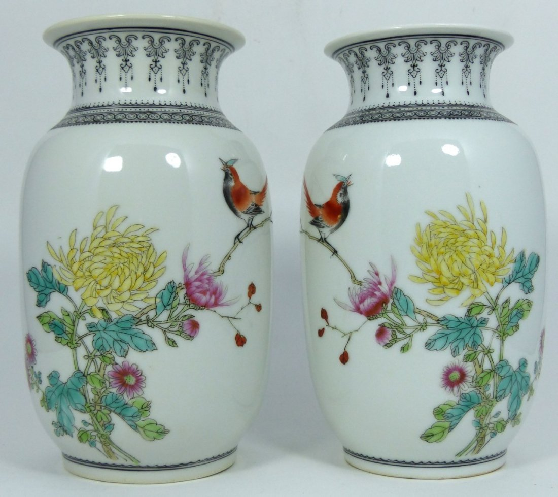 PAIR CHINESE PORCELAIN REPUBLIC PERIOD VASES - 6