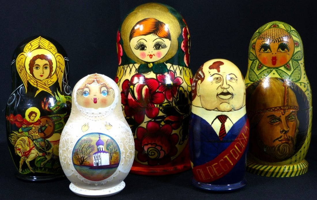 5pc RUSSIAN SIGNED HAND PAINTED NESTING DOLLS