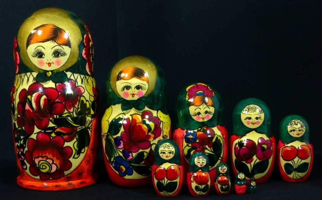 5pc RUSSIAN SIGNED HAND PAINTED NESTING DOLLS - 5