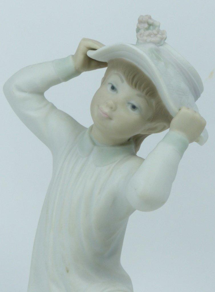 "RETIRED LLADRO #1481 ""GIRL WEARING HAT"" - 6"