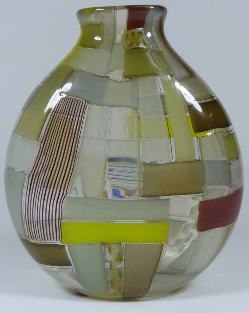 ROBIN MIX PATCHWORK ART GLASS VASE SIGNED - 3