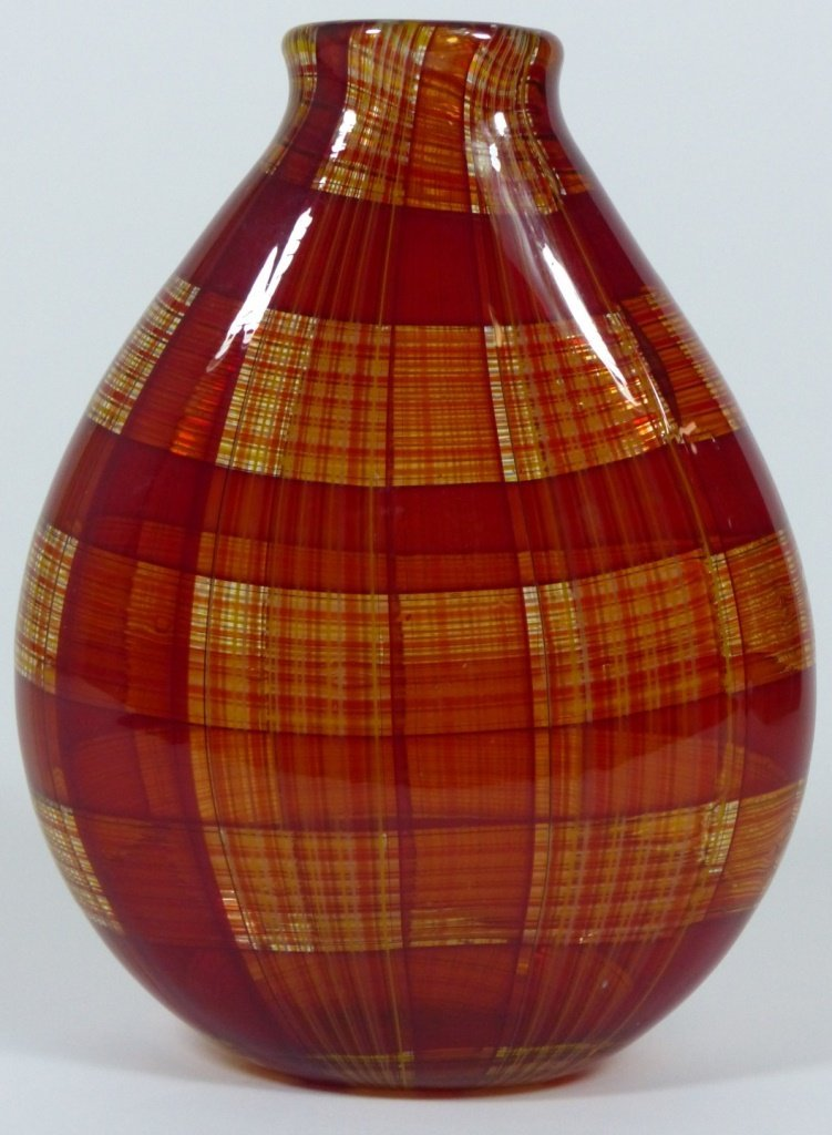 ROBIN MIX STYLE ART GLASS RED PLAID VASE