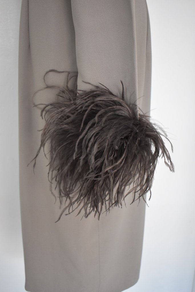Valentino Miss V Never Worn Taupe Ostrich Faux Feather - 3